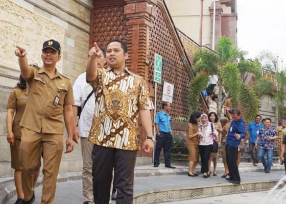 Nusabali.com - walikota-tanggerang-kunjungi-pasar-dan-tukad-badung