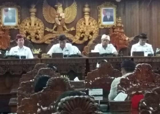 Nusabali.com - dprd-klungkung-gelar-sidang-penyampaikan-tiga-ranperda