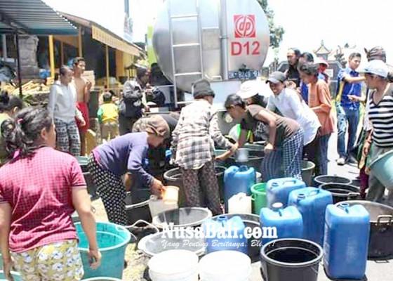 Nusabali.com - lapas-narkotika-bagikan-air-bersih-di-abang-batu-dingding