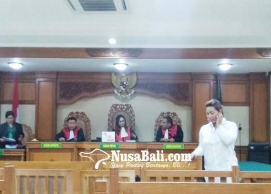 Nusabali.com - majikan-penyiram-air-panas-dituntut-7-tahun