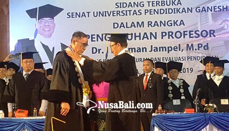 www.nusabali.com-jampel-resmi-sandang-gelar-profesor