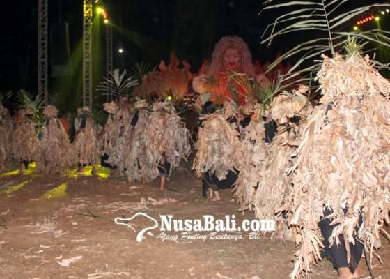 Nusabali.com - tari-baris-cerekuak-massal-meriahkan-pembukaan-festival-kerambitan
