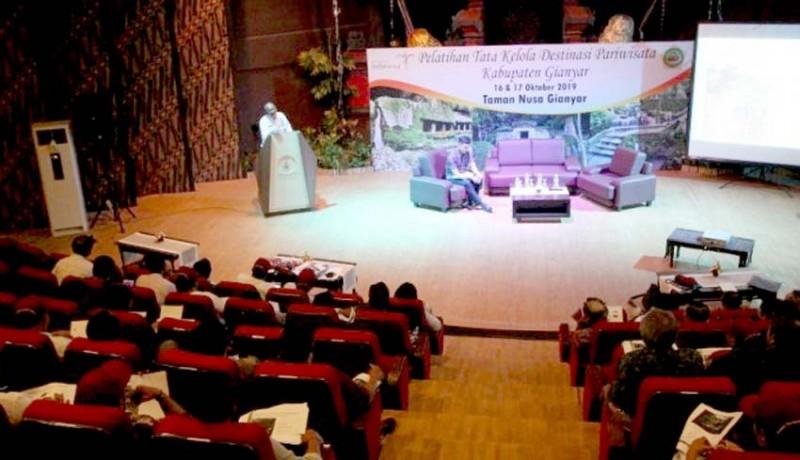 www.nusabali.com-gianyar-latih-100-pengelola-destinasi-wisata