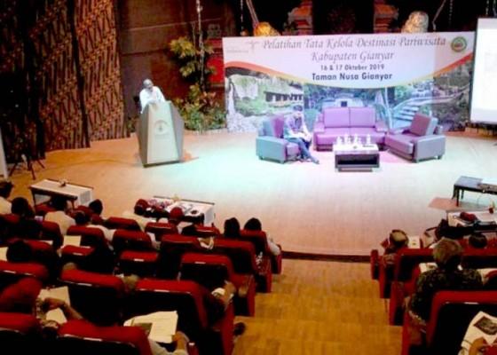 Nusabali.com - gianyar-latih-100-pengelola-destinasi-wisata