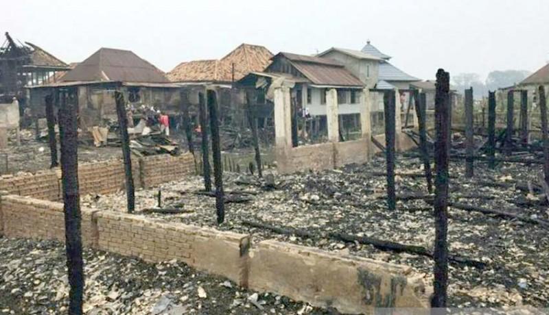 www.nusabali.com-rumah-orangtua-kapolri-terbakar