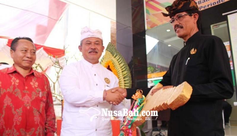 www.nusabali.com-nasabah-bank-pasar-dimanjakan-doorprize-mobil-motor