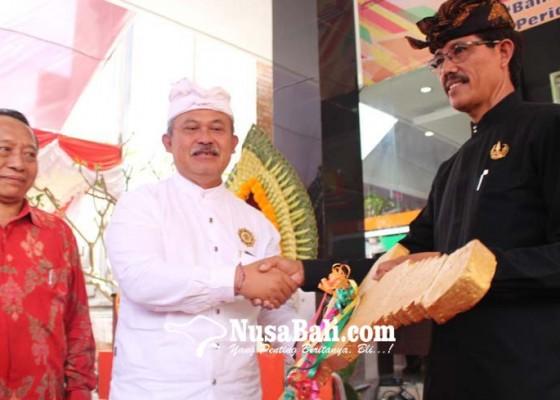 Nusabali.com - nasabah-bank-pasar-dimanjakan-doorprize-mobil-motor