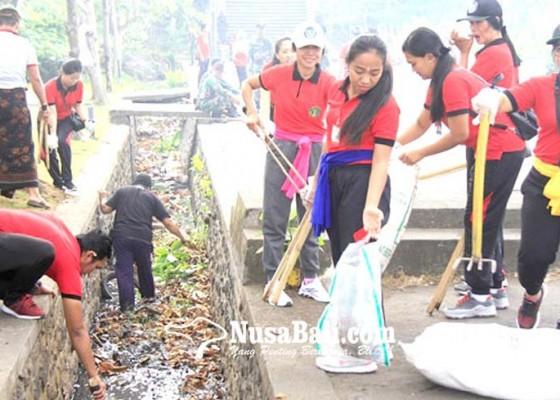 Nusabali.com - terkumpul-251-kg-sampah-plastik