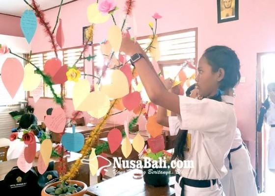 Nusabali.com - tingkatkan-literasi-smpn-6-tabanan-buat-lomba-pohon-baca