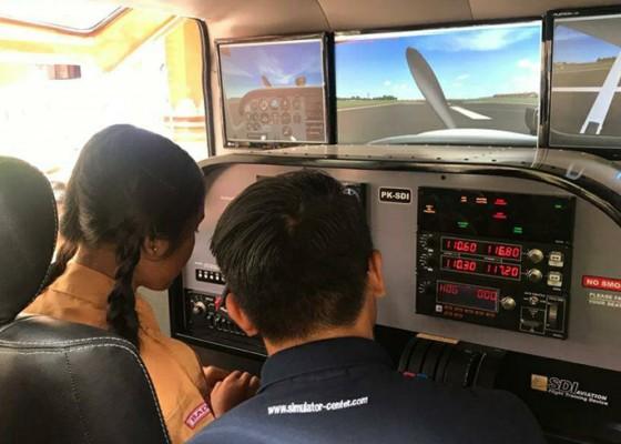 Nusabali.com - mobil-simulator-pesawat-smk-penerbangan-cakra-nusantara-pertama-dan-satu-satunya-di-indonesia