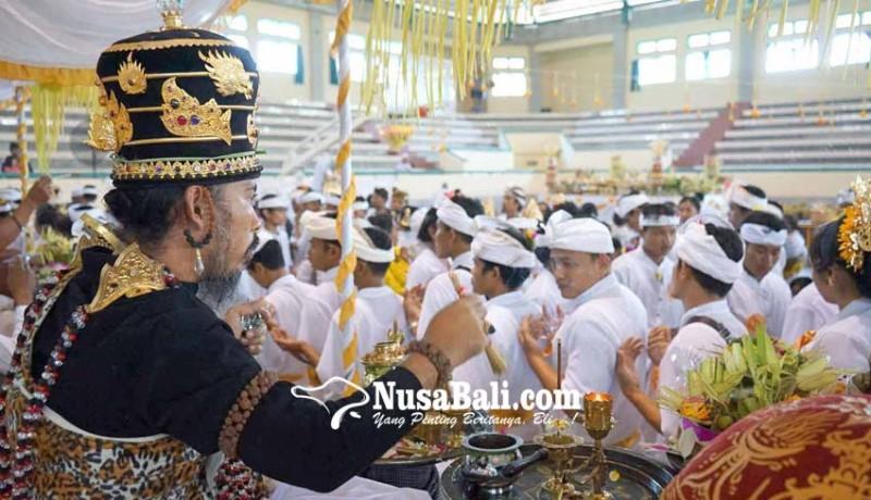 www.nusabali.com-4-sulinggih-muput-matatah-massal