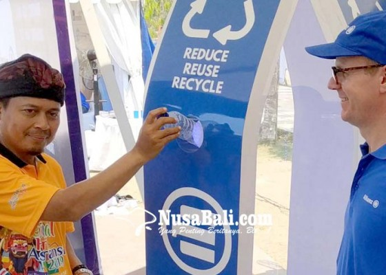 Nusabali.com - sampah-plastik-ditukar-jadi-premi-asuransi