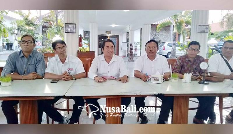 www.nusabali.com-penetapan-hukum-akan-dibacakan-pengempon-pura-resah