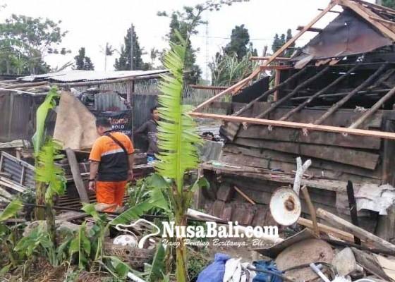 Nusabali.com - bpbd-data-korban-amukan-angin-di-pancasari