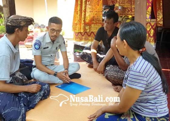 Nusabali.com - siswa-smp-korban-lakalantas-terima-santunan