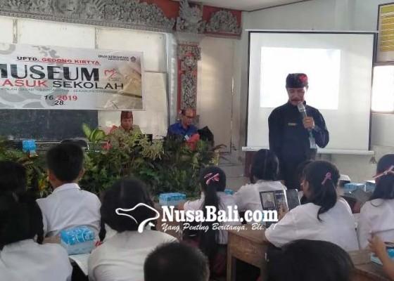 Nusabali.com - museum-gedong-kirtya-masuk-sekolah