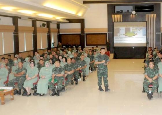 Nusabali.com - pangdam-briefing-para-komandan-jajaran-kodam-ix