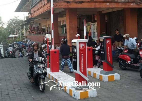 Nusabali.com - pasar-kumbasari-terapkan-e-parkir