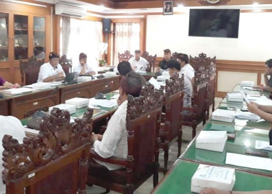 Nusabali.com - banggar-tanyakan-selisih-rp-700-juta-anggaran-hibah-koni-denpasar-2020