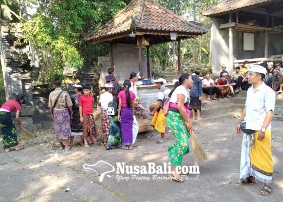 Nusabali.com - hindari-kesurupan-siswa-smpn-4-banjarangkan-belajar-di-rumah