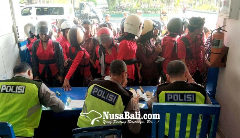 www.nusabali.com-operasi-zebra-ratusan-pelajar-di-jembrana-ditilang