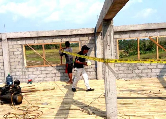 Nusabali.com - kesetrum-di-kandang-ayam-buruh-tewas