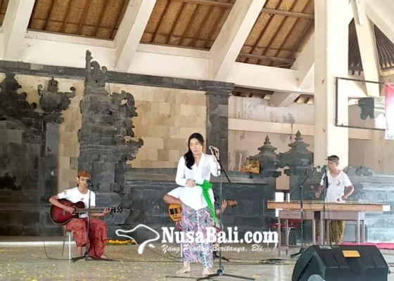 Nusabali.com - penyuluh-bahasa-bali-gelar-lomba-musikalisasi-puisi-bali-anyar