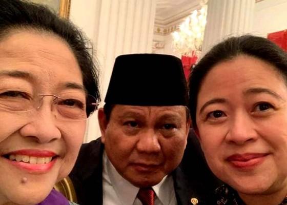 Nusabali.com - selfie-bareng-prabowo-nyempil-di-antara-megawati-dan-puan