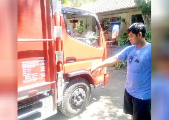 Nusabali.com - istri-sekretaris-koni-buleleng-hantam-truk-hingga-tewas