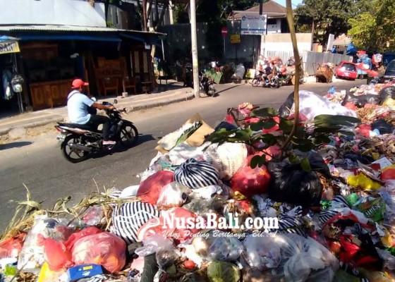 Nusabali.com - sampah-di-tpss-denpasar-menumpuk