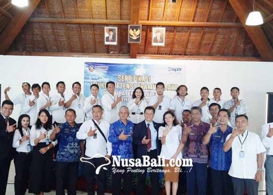 Nusabali.com - puluhan-pramuwisata-disertifikasi