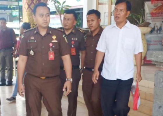 Nusabali.com - dilimpahkan-eks-sekretaris-pssi-gianyar-ditahan