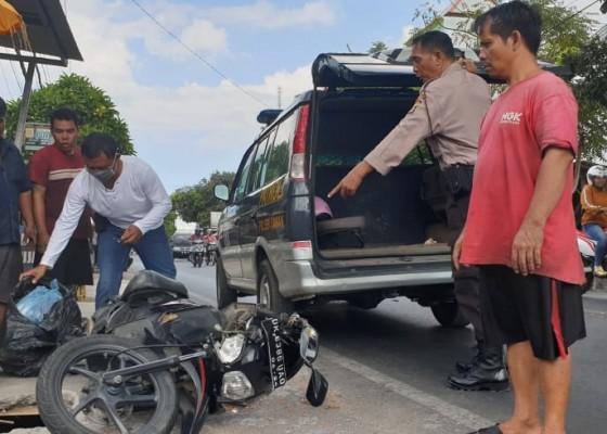 Nusabali.com - ayah-dan-anak-tewas-tabrak-truk