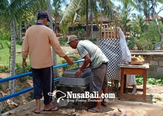 Nusabali.com - pascakesurupan-siswi-smpn-di-timuhun-bangun-2-palinggih
