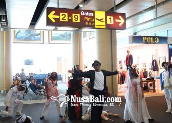 Nusabali.com - halloween-terminal-bandara-dihiasi-ornamen-menyeramkan
