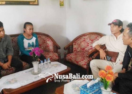 Nusabali.com - tahanan-pembuang-bayi-dikunjungi-anggota-dewan