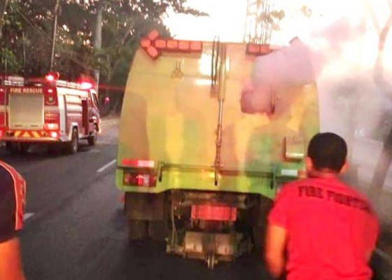 Nusabali.com - truk-dlh-terbakar