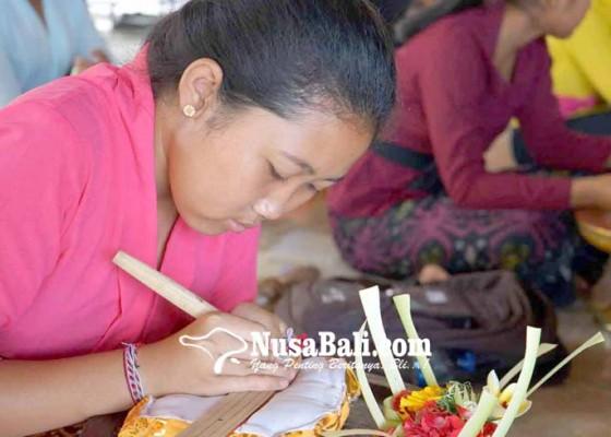 Nusabali.com - sman-2-amlapura-gelar-lomba-menulis-lontar