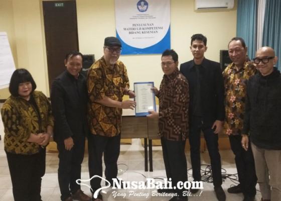 Nusabali.com - seniman-harus-menjalani-sertifikasi-profesi