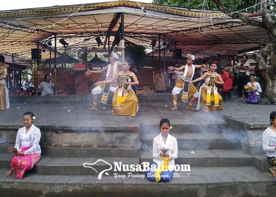 Nusabali.com - menikmati-sajian-tari-kontemporer-ala-smkn-3-sukawati