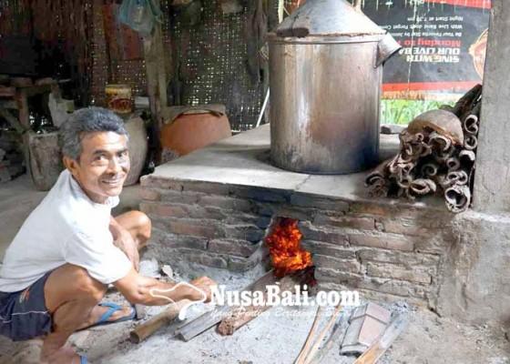 Nusabali.com - produksi-arak-sering-gagal-dipercaya-ada-gangguan-niskala
