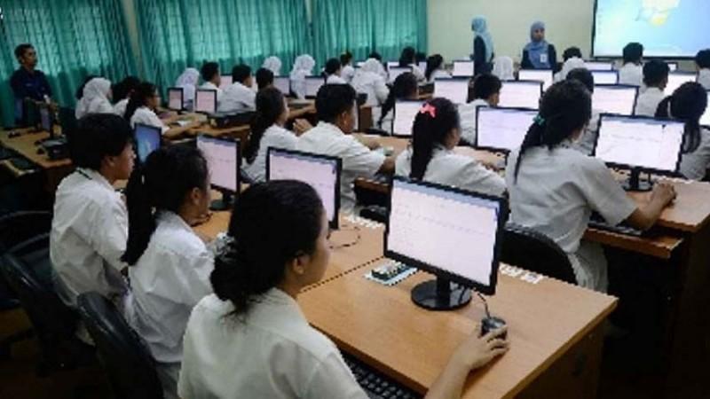 www.nusabali.com-40-pelajar-dilatih-kuasai-program-komputer