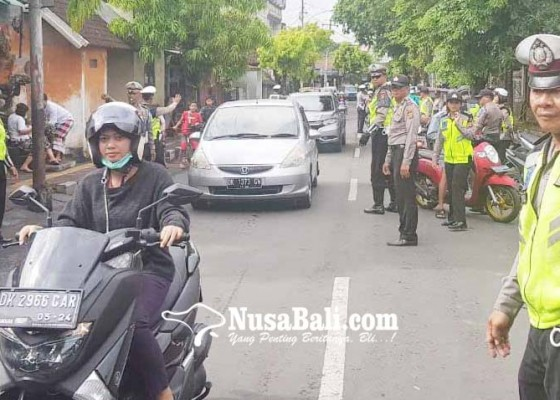 Nusabali.com - sepekan-lebih-operasi-zebra-polisi-tilang-1247-pelanggar
