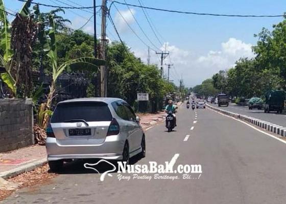 Nusabali.com - parkir-sembarangan-picu-laka