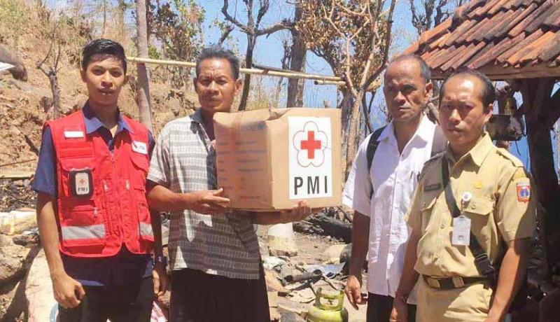 www.nusabali.com-pmi-dan-bpbd-bantu-korban-kebakaran