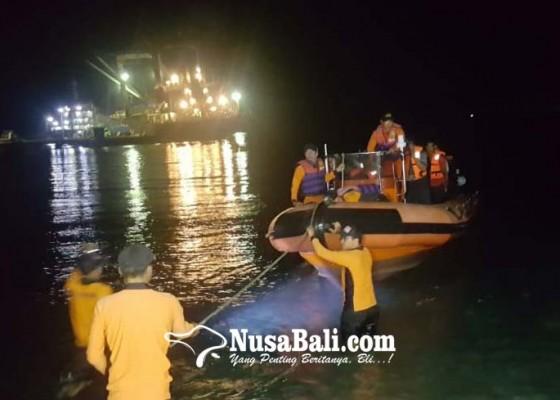 Nusabali.com - kapal-terbakar-10-abk-diselamatkan