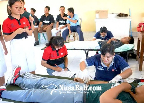 Nusabali.com - tensi-rendah-banyak-siswa-gagal-donor-darah