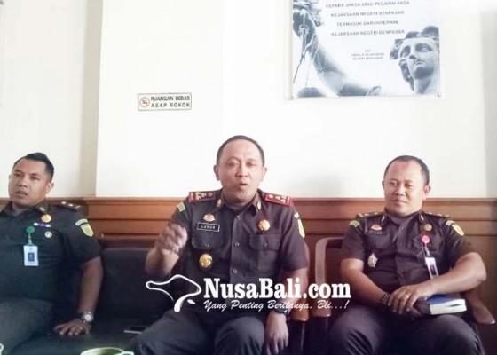 Nusabali.com - dituding-selamatkan-eks-perbekel-kajari-kelabakan
