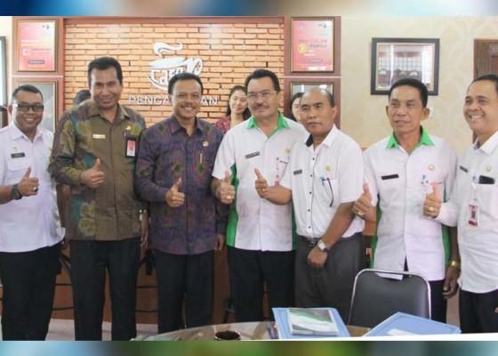 Nusabali.com - wujudkan-daerah-bebas-korupsi-sekda-minta-kabupaten-kota-miliki-forward-looking-leaders