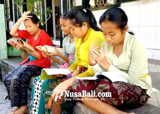 Nusabali.com - siswa-smp-1-singaraja-peringati-hari-anak-intrernasional